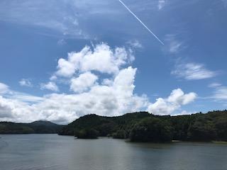 湖と飛行機